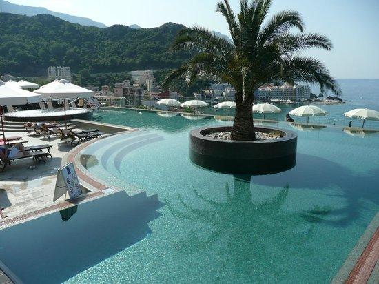 Becici, Montenegro: Infinity pool