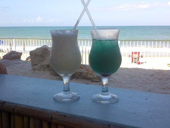 Holiday Inn Hotel & Suites Vero Beach - Oceanside: Mulligans next door - great food and drinks!
