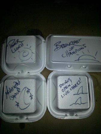 Fellini Koolini's Italian Cuisini: Takeout containers from our waiter :o)