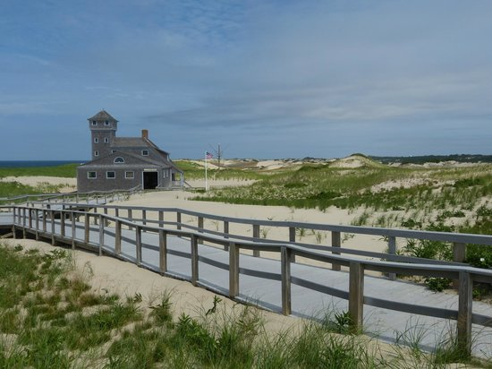Old Harbor Lifesaving Station : The path to the station