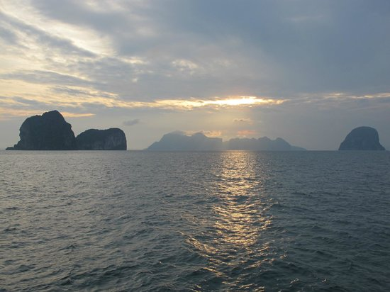 Koh Ngai Resort: Paradise's right in front of me