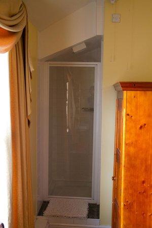 LLandudno Hostel: 6 berth room