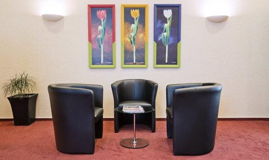 Rewari Hotel: Lobby