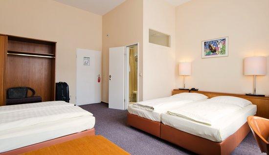 Rewari Hotel: Vierbettzimmer