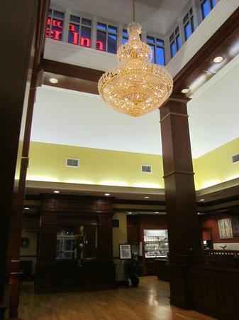 Hilton Garden Inn Bangor: Lobby