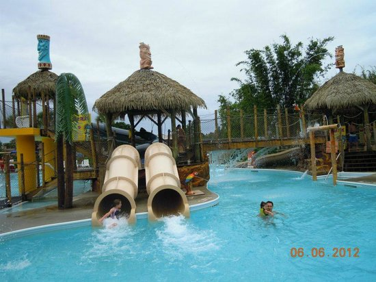 Liki Tiki Village: water park slides