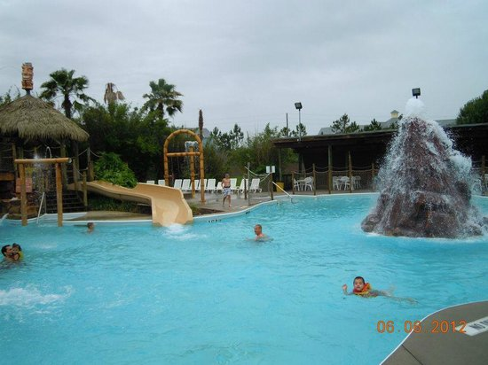 Liki Tiki Village: Water park