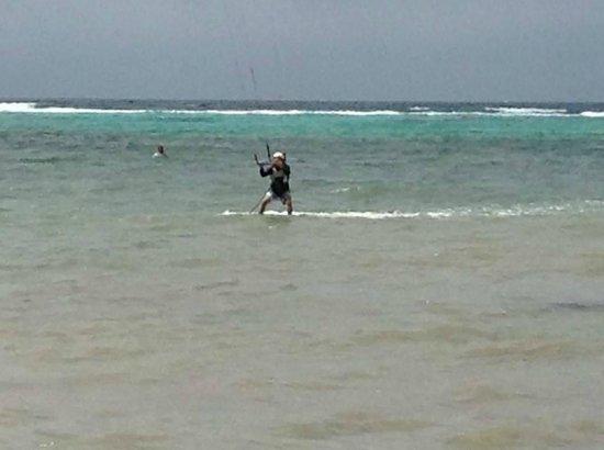 Tony Kiteboarding with Jhon @ Kitesurf Cayman