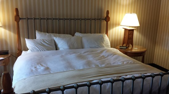 Radisson Hotel at Cross Keys: Sleep Number Bed