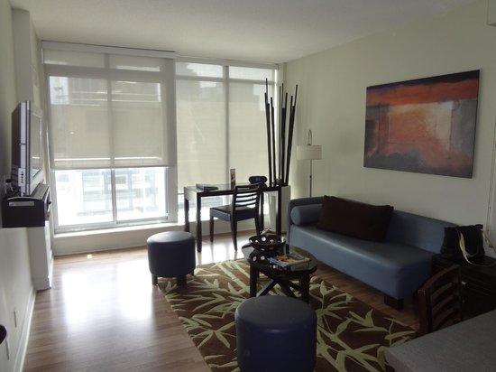 Executive Hotel Cosmopolitan: Livingroom