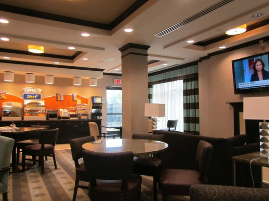 Holiday Inn Express & Suites Ottawa West - Nepean: Breakfast room
