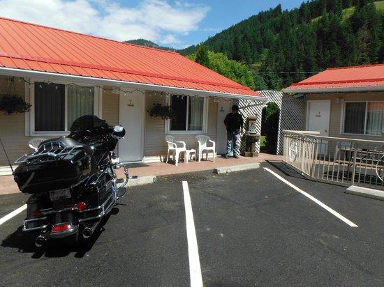 Overlander Motel: A DELIGHTFUL MOTEL