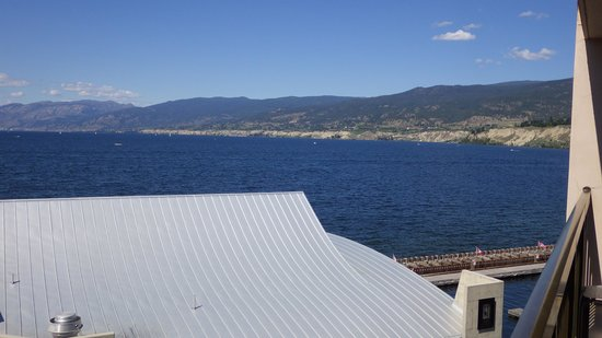 Penticton Lakeside Resort & Conference Centre : view from lakeside room