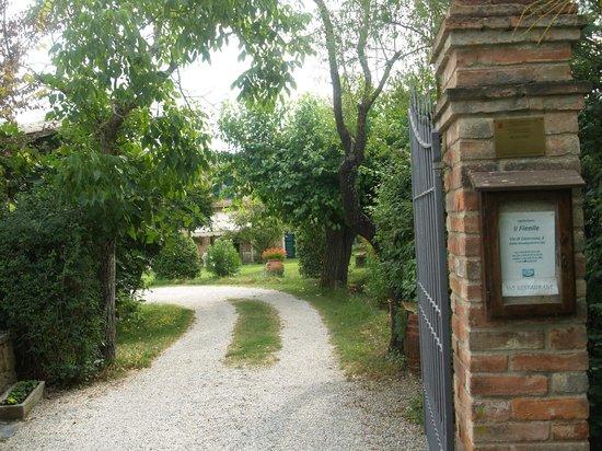 Farmhouse Il Fienile: Gate