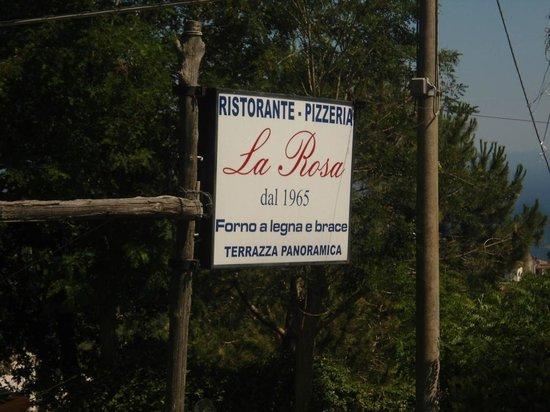 Ristorante La Rosa: L'Insegna del ristorante