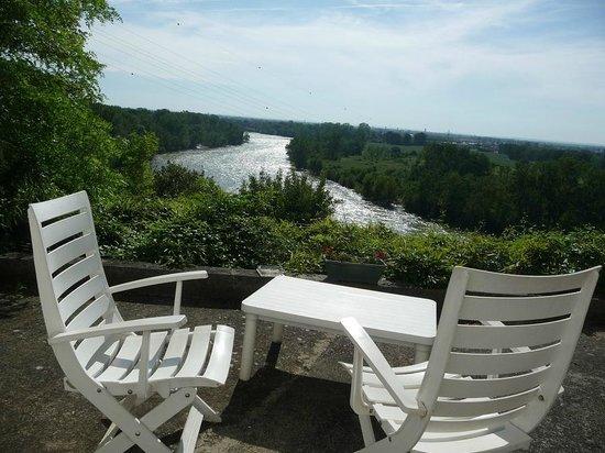 Hotel La Flanerie: river view
