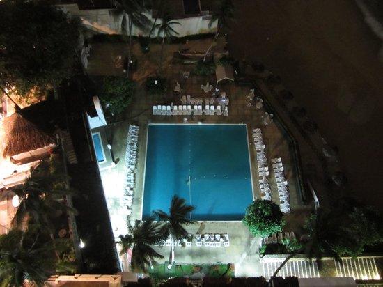 El Presidente Acapulco: Alberca