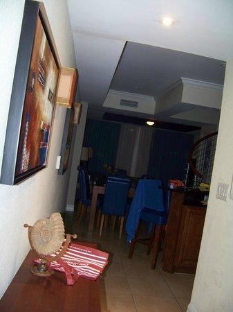 Divi Aruba Phoenix Beach Resort: entering our room