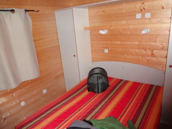 Résidence Les Ségalières : chambre(petit) lit double