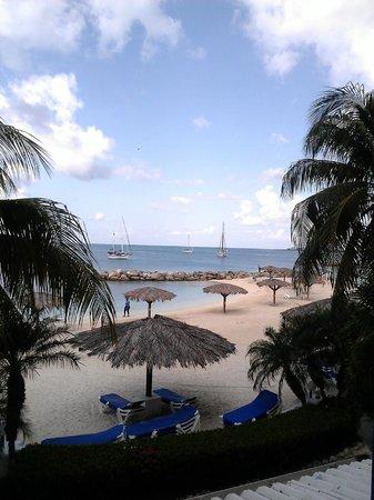 Royal Palm Beach Resort: playa
