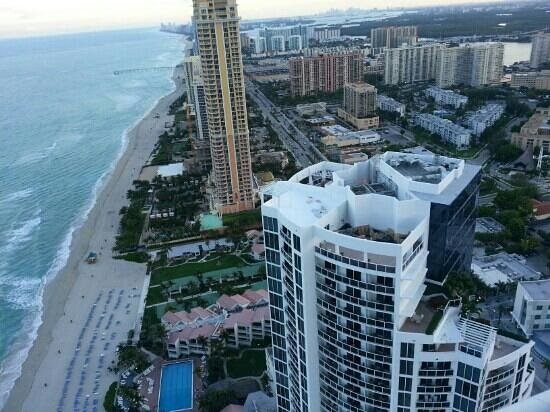 Aquanox Spa at the Trump International Beach Resort: thats the view from the penthouse. b****