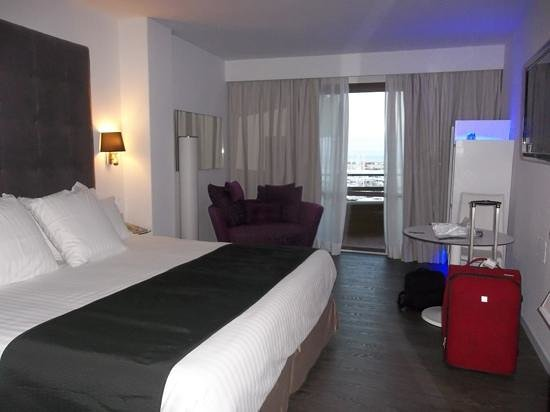 Melia Palas Atenea : front facing room