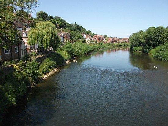 Gainsborough House Hotel: River at Bridgnorth