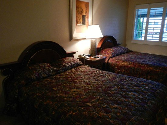 The Greenwell Inn: View of beds