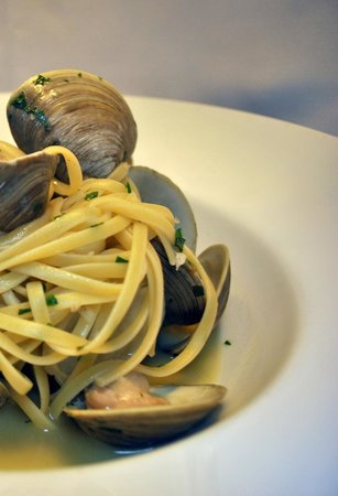 Elizabeth's Cafe at Perfect Parties: Linguine with Clams