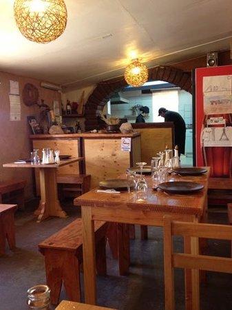 Baltinache Restaurant: esparando el almuerzo y viendo a la chef como lo hace!!