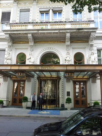 Hotel Imperial Vienna: Eingang