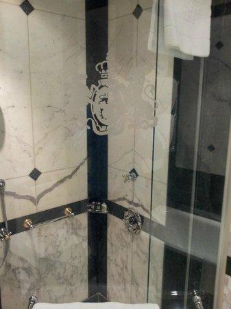 Hotel Imperial Vienna: Dusche