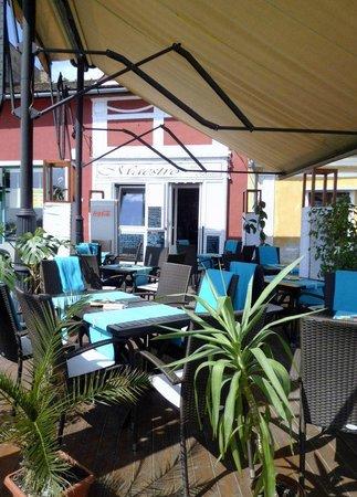 Maestro Café and Bistro / Szentendre : Maestro Lounge Bistro