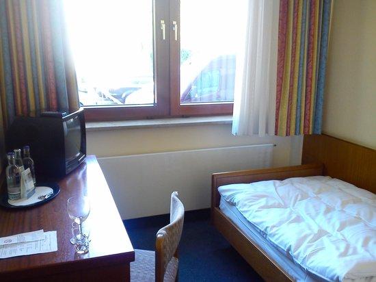Alte Wache Hotel: Photo of bedroom