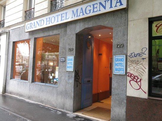 Grand Hotel Magenta : Front door