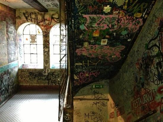 Spiseloppen Christiania : not a typical restaurant entrance