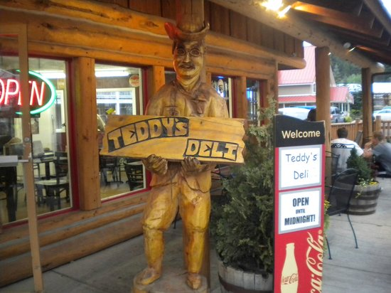 Teddy's Deli : Teddy welcomes you!