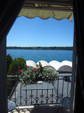 Hotel Spiaggia d'Oro - Charme & Boutique: Room 103 balcony with view of Lake Garda