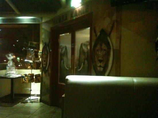 Makhulu 5: entrance doors