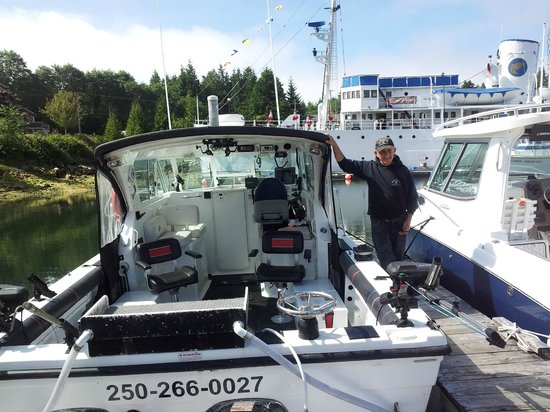 Pacific King Fishing Charters: Hank's boat