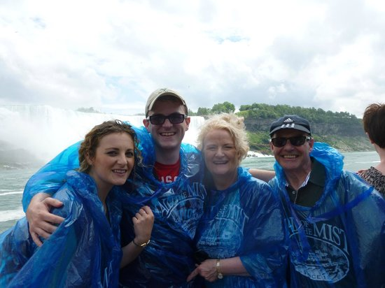 Niagara Falls Day Tour : Maid-Of-The-Mist boat ride