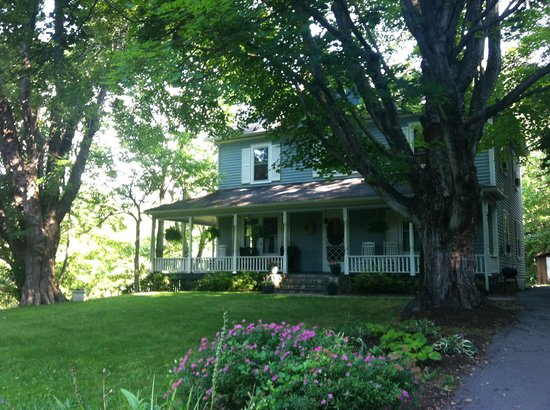 Twin Maples Farmhouse: Twin Maples PERFECTION