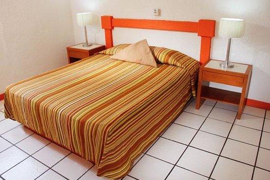 Suites Santa Barbara: Suite bedroom 1