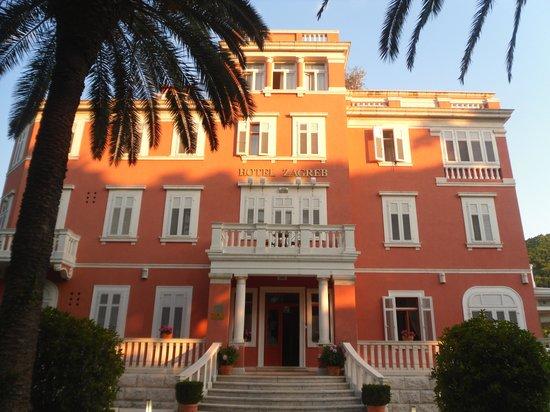 Hotel Zagreb: Simply Divine