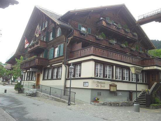Posthotel  Roessli: Hotel Exterior