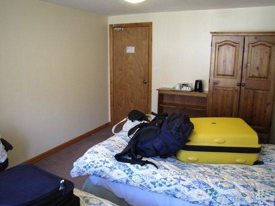 The Helmsman: Twin room - annex