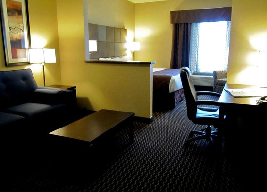 كومفرت سويتس كيلونا: Room 213 Comfort Suites Kelowna