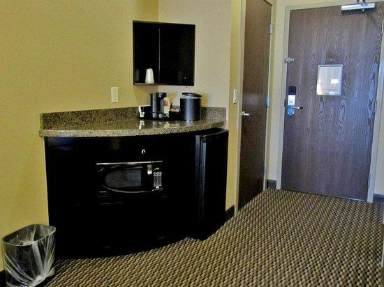 Room 213 Comfort Suites Kelowna