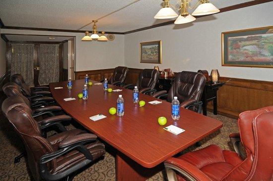 Quality Inn Tyler - Lindale: Executive Boardroom