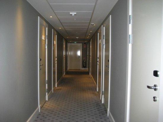 Elite Eden Park Hotel: Pasillo